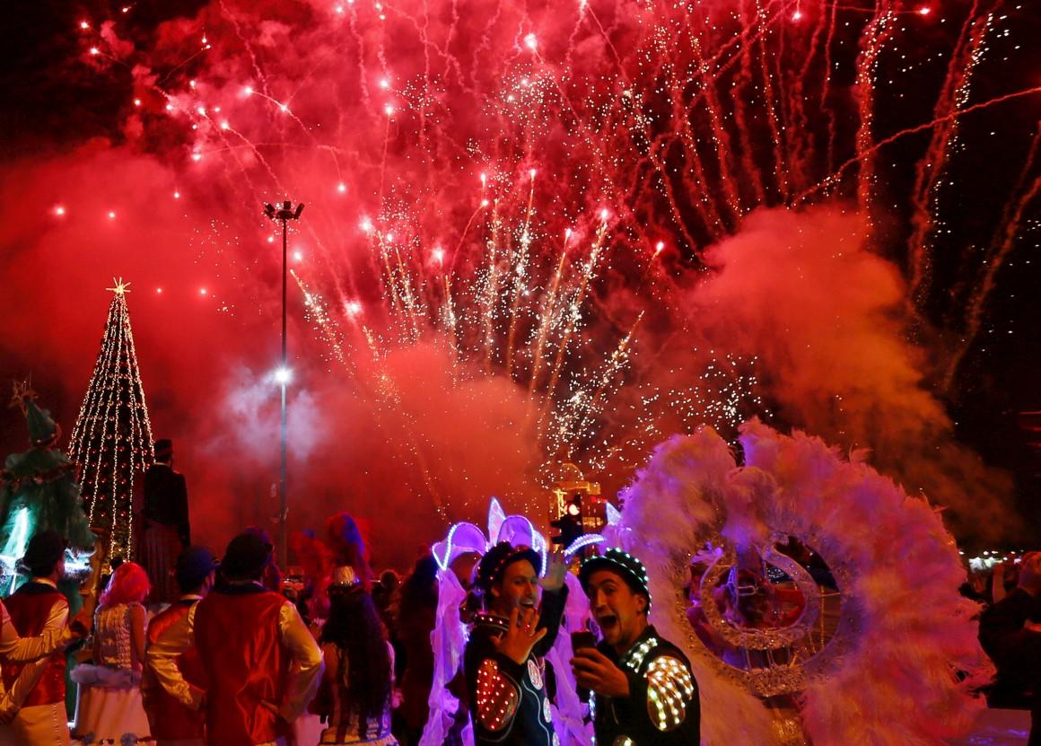 Líbano, Beirute, pirotecnia para celebrar a iluminação da árvore de Natal