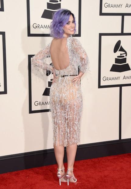 Katy Perry com um vestido Zuhair Murad