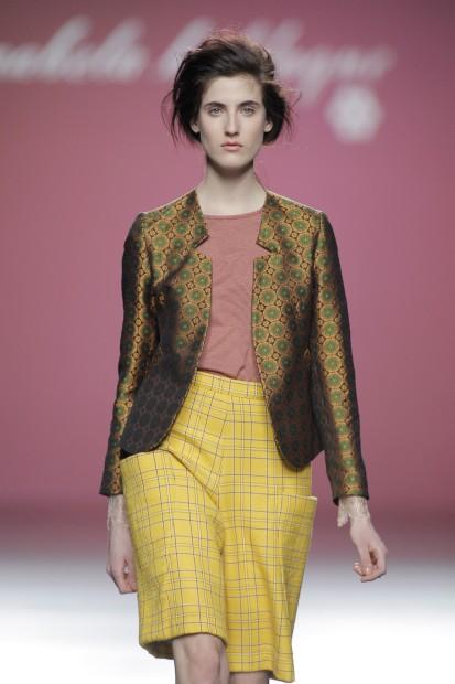 A primeira a abrir a passerelle foi a designer Anabela Baldaque