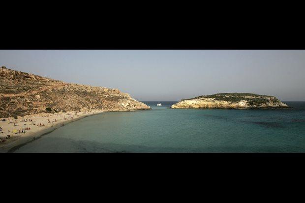 Top mundo: 3 - Spiaggia dei Conigli, Lampedusa, Sicília, Itália (também a n.º1 na Europa)