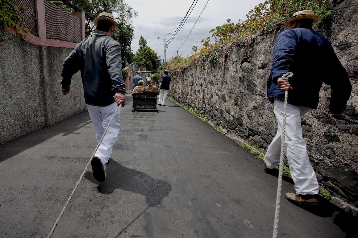 """Na Madeira, os carros de cestos até """"voam"""""""