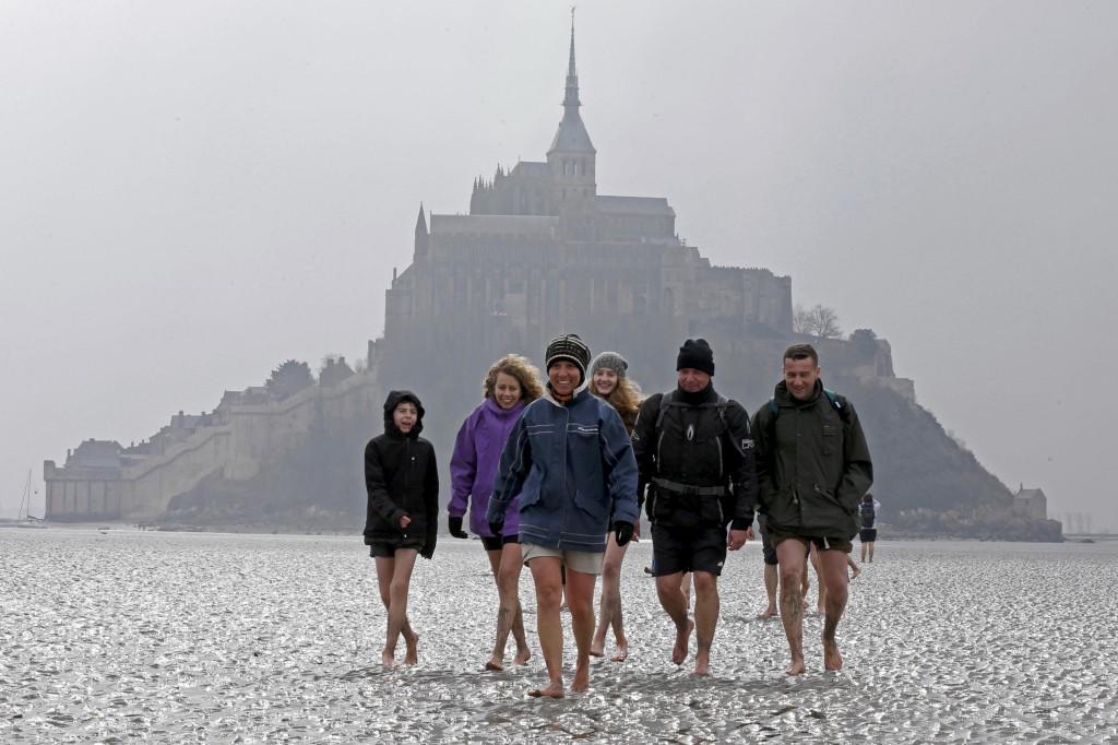 No Monte Saint-Michel, num período de maré-baixa