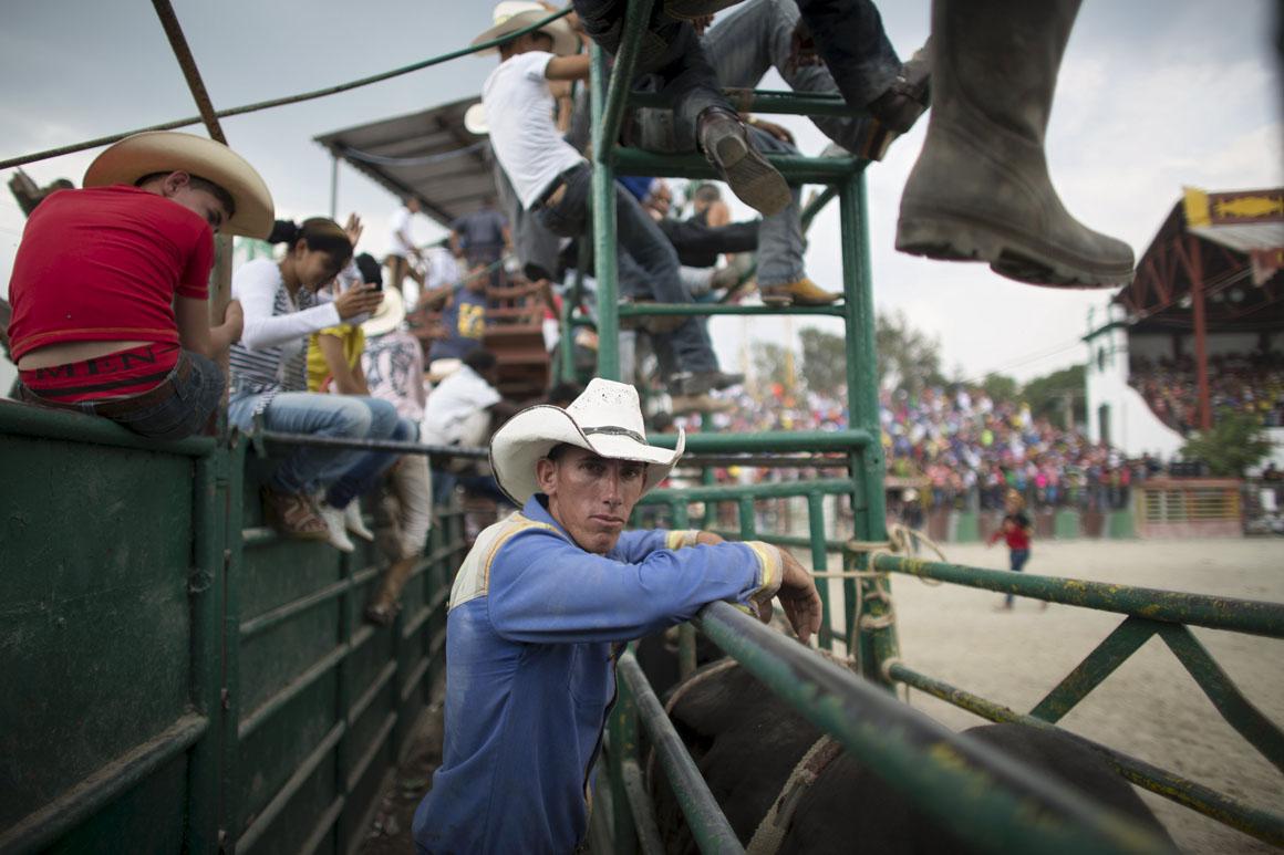 Ariel Peralta tem 25 anos e também participou nas finais do campeonato nacional de rodeo, no recinto de Rancho Boyeros em Havana, Cuba