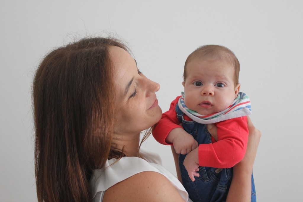 Ouvir o bebé em vez do mundo, recomenda terapeuta em novo livro