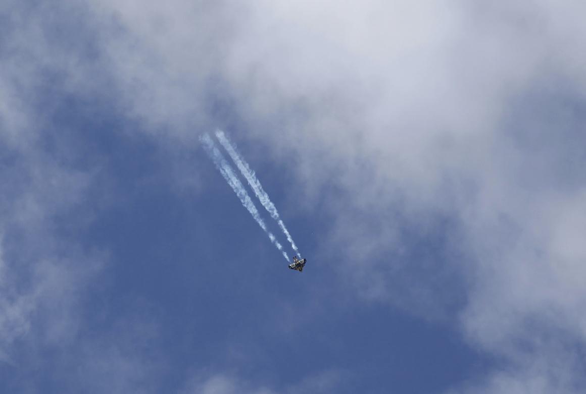 Nos EUA, Wittman Regional Airport, Oshkosh, Wisconsin, num show aéreo