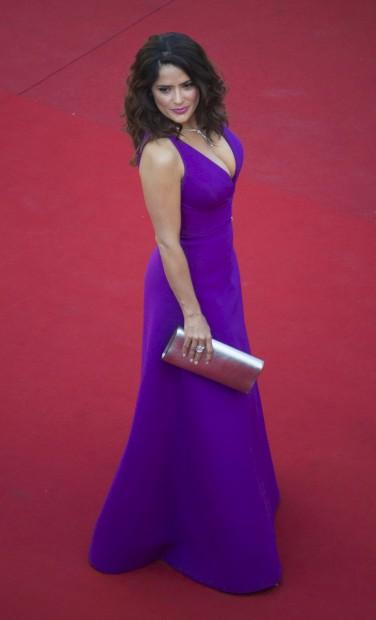 Salma Hayek, em Gucci, no 5º dia do festival