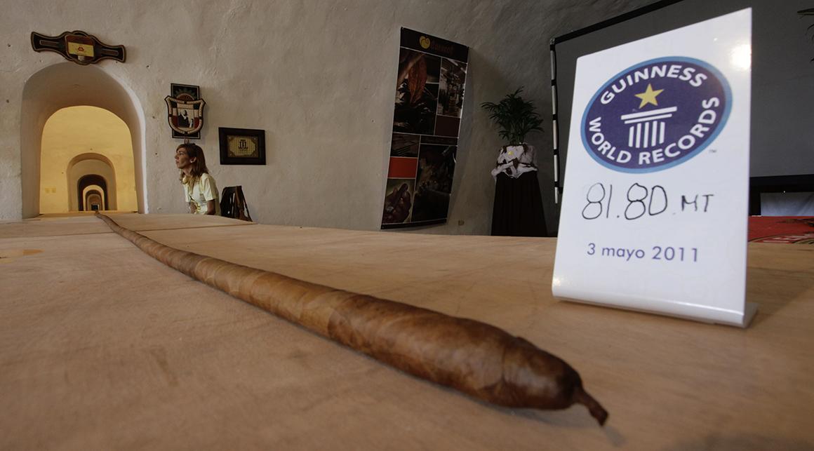 O charuto mais comprido do mundo é cubano e tem 81,8 metros.