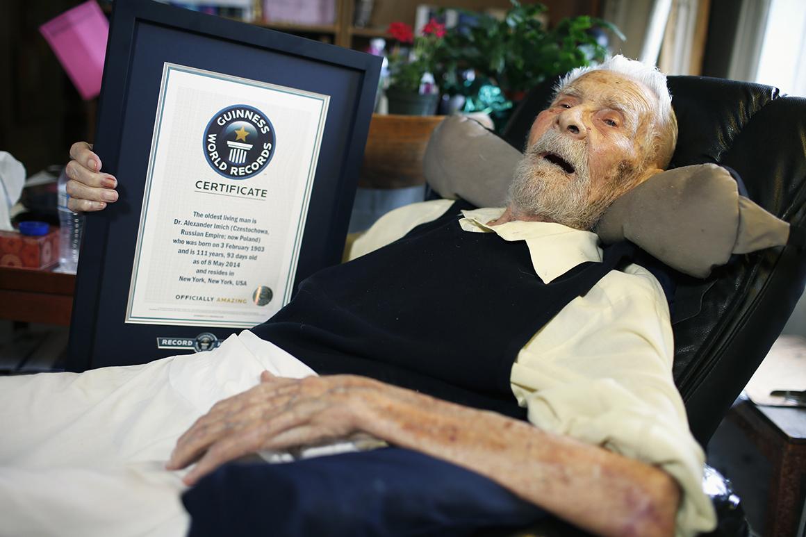 Alexander Imich, o homem vivo mais velho do mundo, com 112 anos.