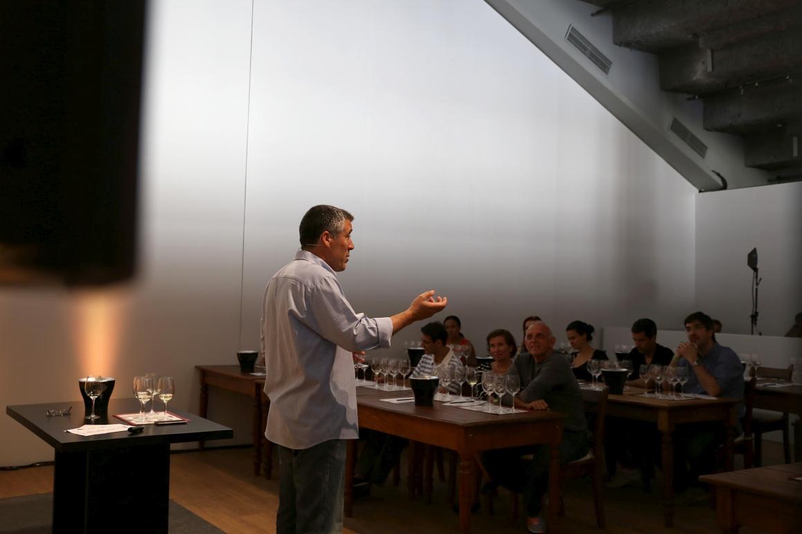 O crítico de vinhos Pedro Garcias