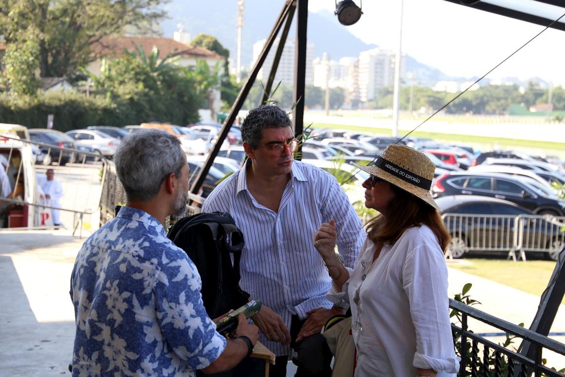 Pedro Mello e Souza com Luciana Fróes, críticos d'O Globo