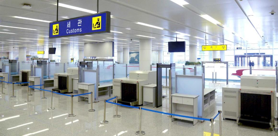 No novo terminal, alfândega