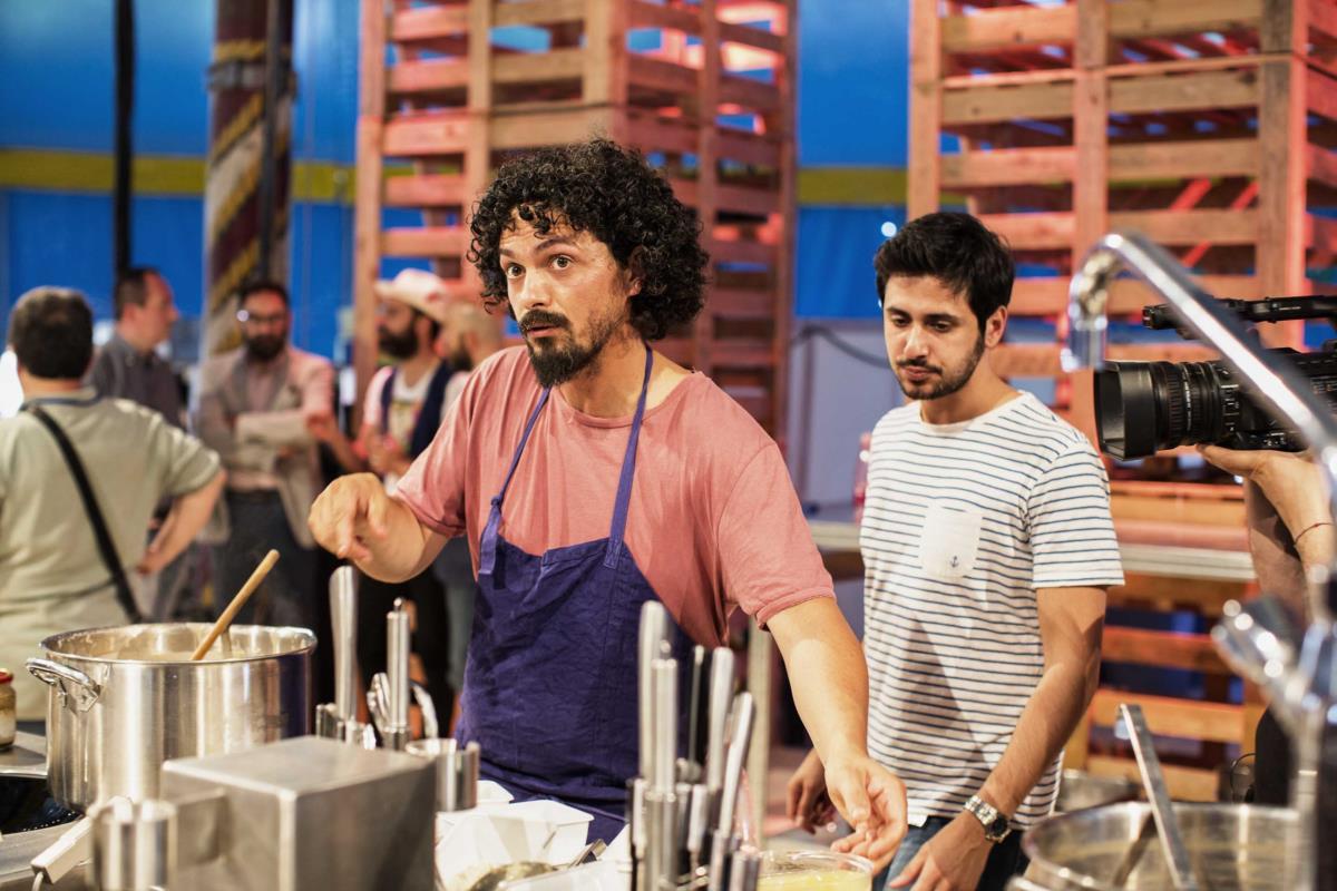 O chef italianao Piergiorgio Parini da Osteria del Povero Diavolo, um dos jovens talentos italianos no festival