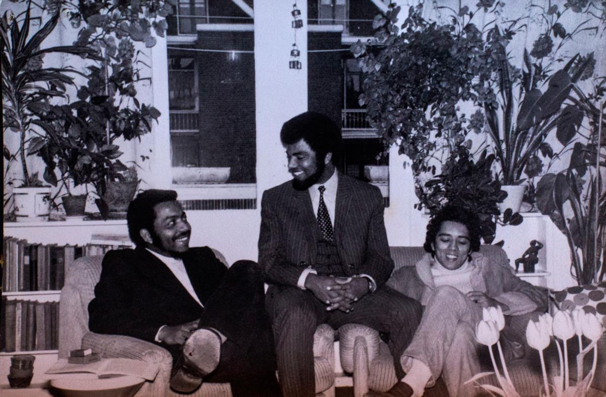 Gravou o seu primeiro disco em Roterdão com Humberto Bettencourt 8à esquerda) e Mário Rui Silva