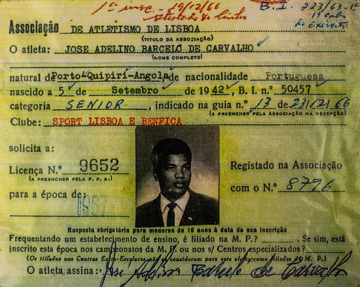 Inscrito na Federação Portuguesa de Atletismo, Bonga fugiu da repressão do Estado Novo