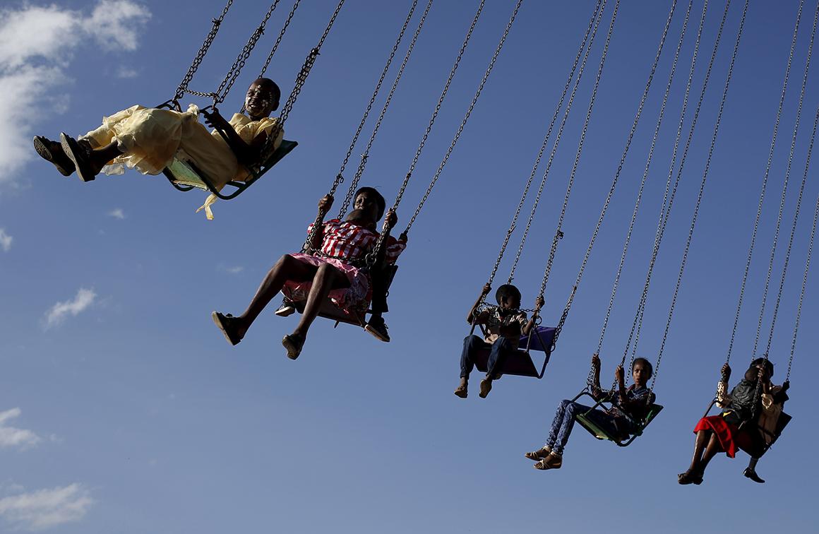 O festival integra outras atracções como antigas diversões de feira