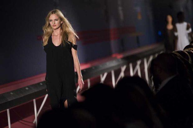 Quem veste preto é mais confiante, avaliam consumidores