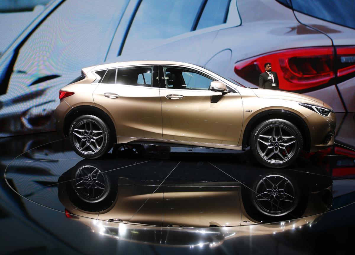 A divisão de luxo da Nissan, a Infiniti, apresenta o Q30