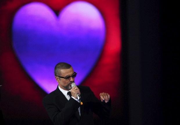 O cantor britânico George Michael é um dos compradores de mobiliário português