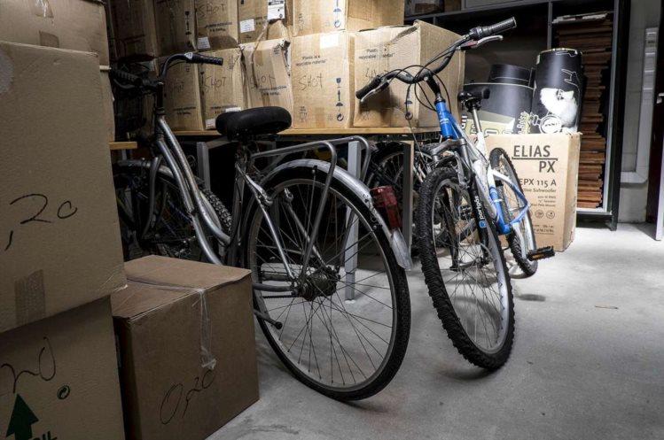 Em Maio, a Associação Académica da Universidade de Aveiro promoveu uma campanha de recolha de bicicletas usadas para as vender a preços simbólicos a estudantes da instituição