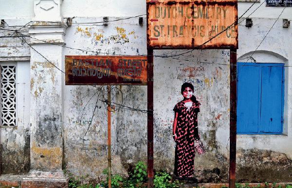 Graff iti na Bastion Street, junto à Basílica de Santa Cruz. Na Jacob Road, ao lado, tal como na Bazaar Road, dezenas de graff iti evocam temas culturais do passado e do presente de Fort Kochi