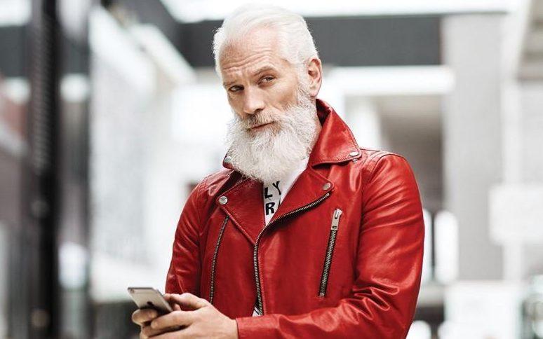 Existe Pai Natal mais sexy do que este?