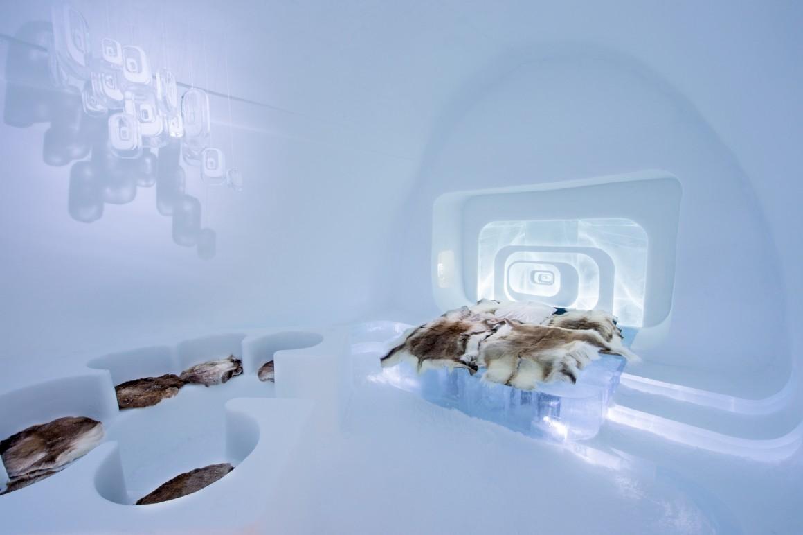 Love Capsule by Luc Voisin & Mathieu Brison.