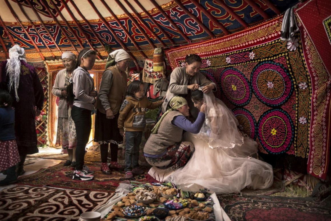 Rostos, Pessoas, Encontros: 2º lugar para Timothy Allen (Reino Unido). Na Mongólia Ocidental