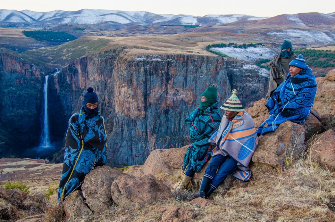 Jovem fotógrafo do ano. Vencedor Chase Guttman, EUA (18 anos). Na imagem: O lider da tribo Basuto e pastores em Semonkong, Lesoto