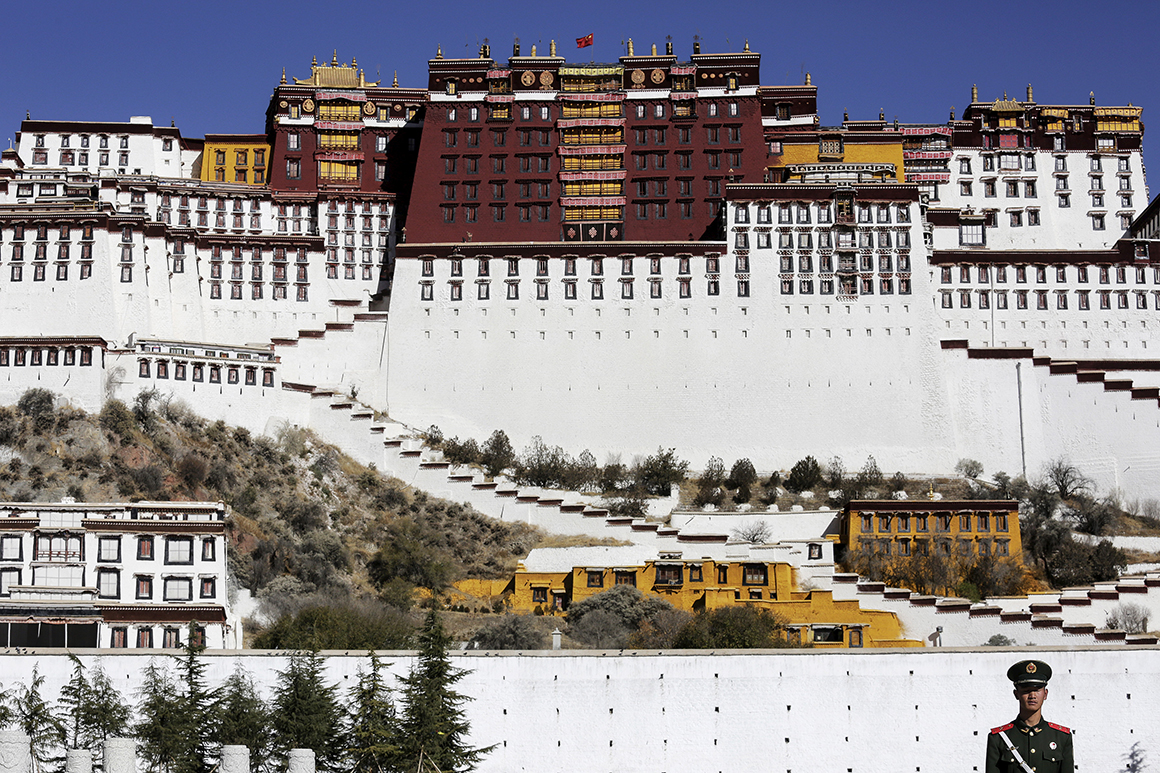 O Palácio de Potala, em Lhasa, era a antiga sede do governo tibetano e residência tradicional de Dalai Lama