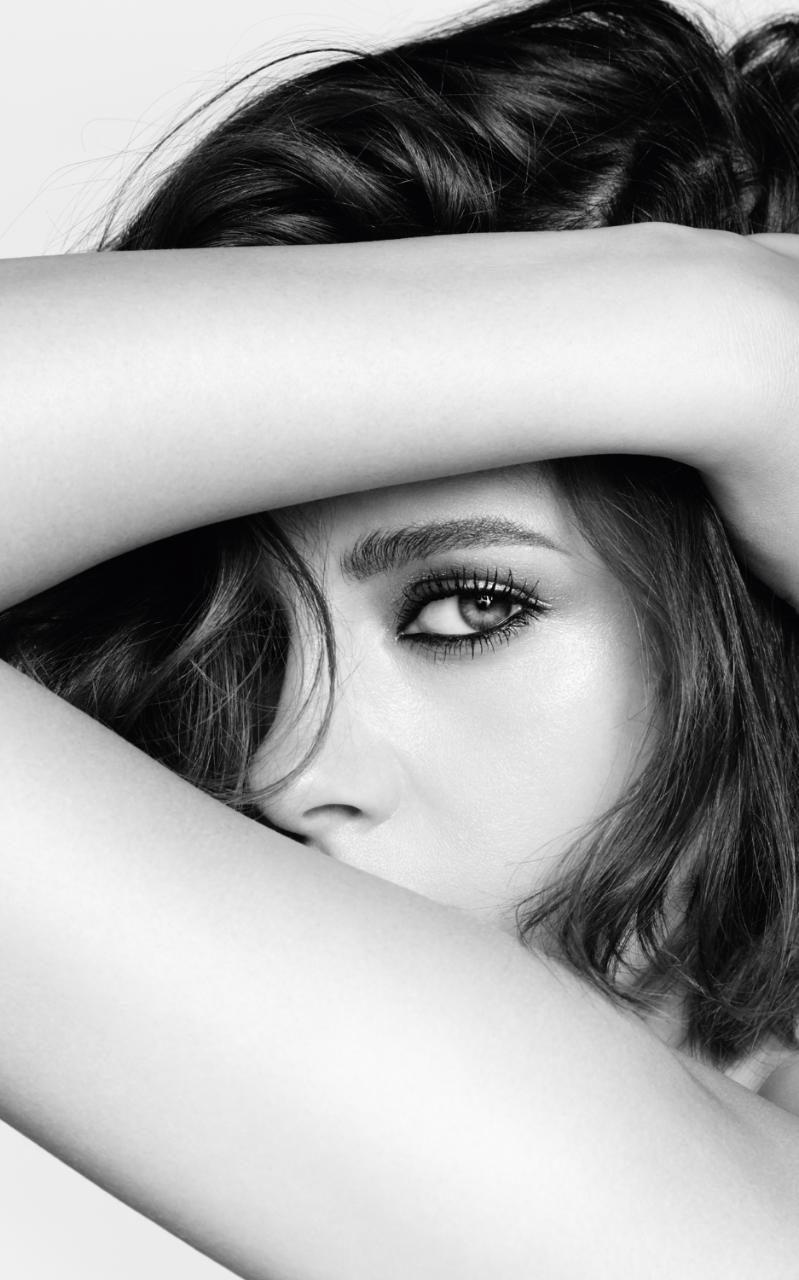 Kristen Stewart é o novo rosto da maquilhagem da Chanel