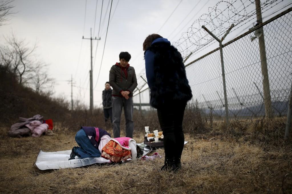 Comemorações do Ano Novo Chinês junto à zona desmilitarizada que separa as duas Coreias, em Pajuà fronteira com a Coreia do Norte