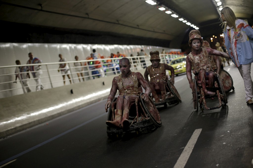 Após o desfile de carnaval no Sambódromo, Rio de Janeiro