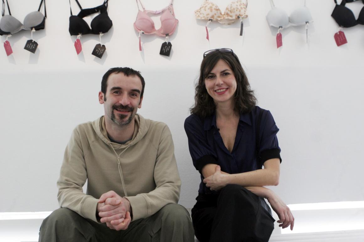 O Museu dos Corações Partidos foi criado pelo artista plástico Drazen Grubisic e pela produtora de festivais Olinka Vistica, A relação dos dois terminou mas daí nasceu o museu...