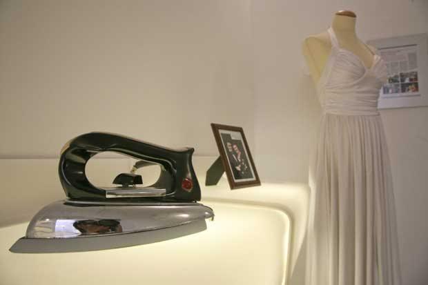 No museu, em Zagreb. O vestido de casamento, 1994/97.