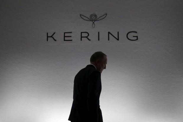 """Vender colecções após desfiles """"nega o sonho do luxo"""", diz presidente do grupo Kering"""