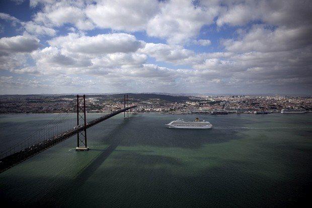 Lisboa compete em cinco categorias: Destino, Escapada urbana, Aeroporto, Porto de cruzeiros, Destino de cruzeiros
