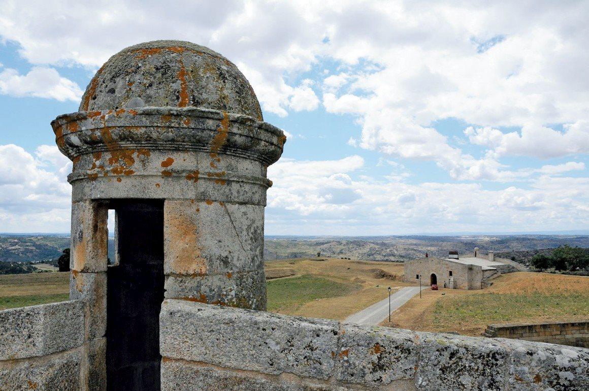 3. Forte de Almeida