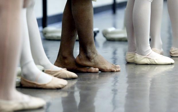 La Scala de Milão tem de readmitir bailarina que denunciou casos de anorexia