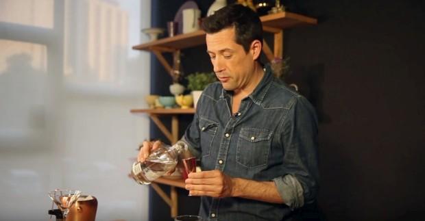 Filipe Vargas ensina o cocktail Japenese Gintleman