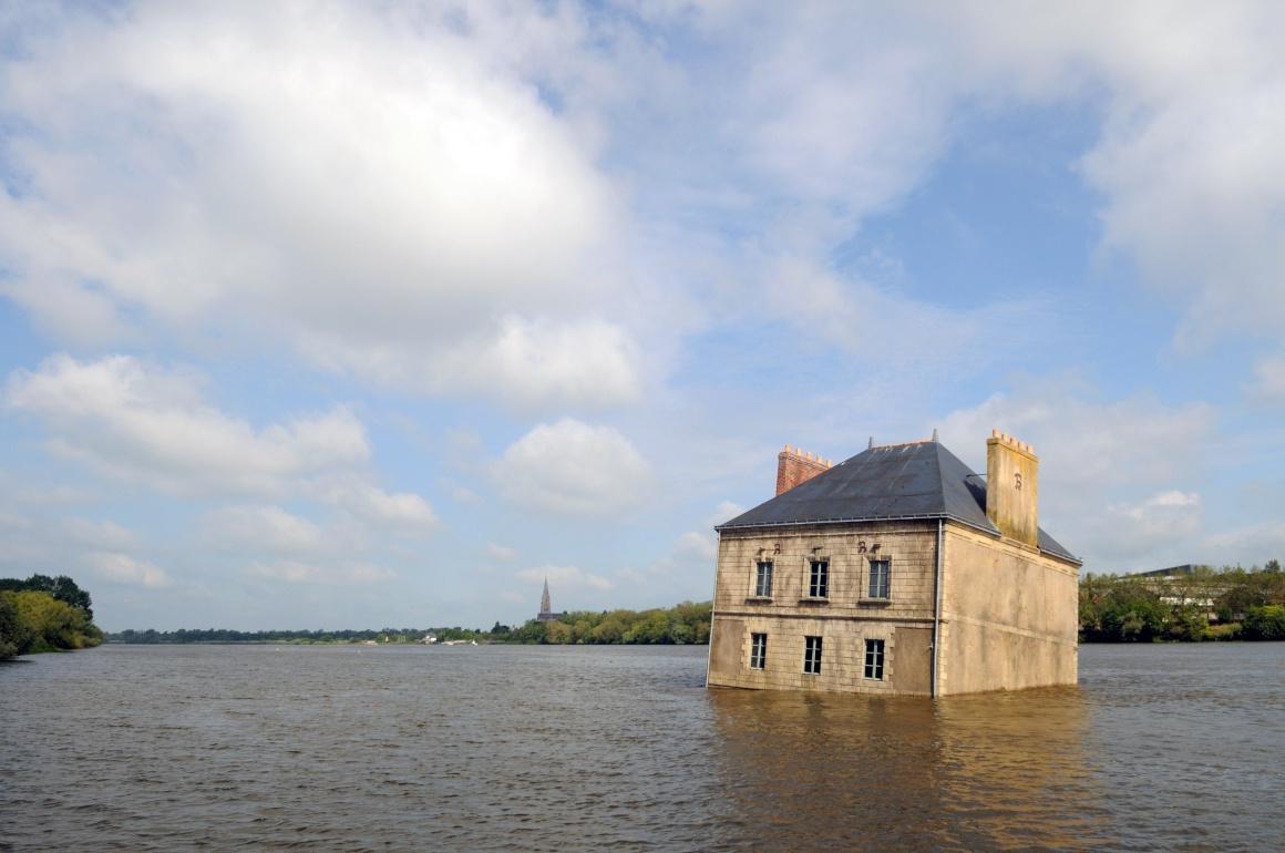 Jean-Luc Courcoult, La Maison dans la Loire, Couëron - Estuaire 2007