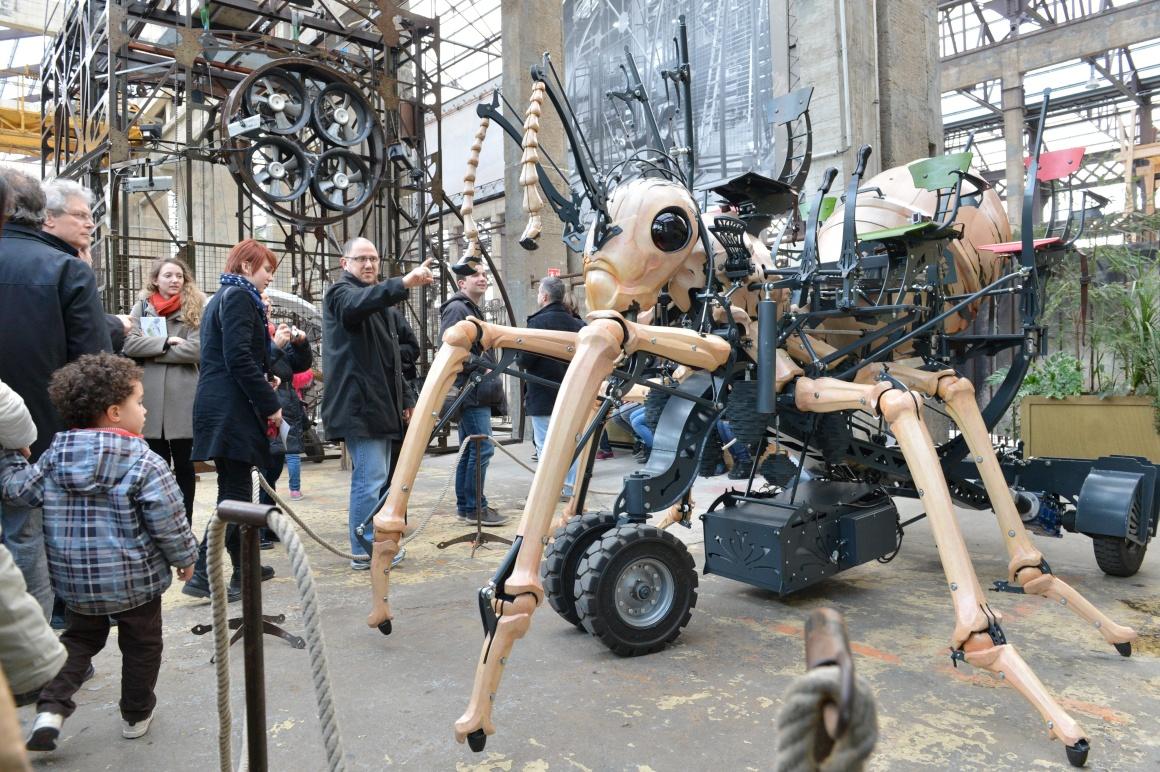 La Fourmi géante. Galerie des Machines. Les Machines de l'île
