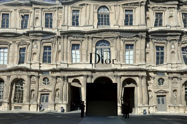 Dior continua sem director criativo – porquê?