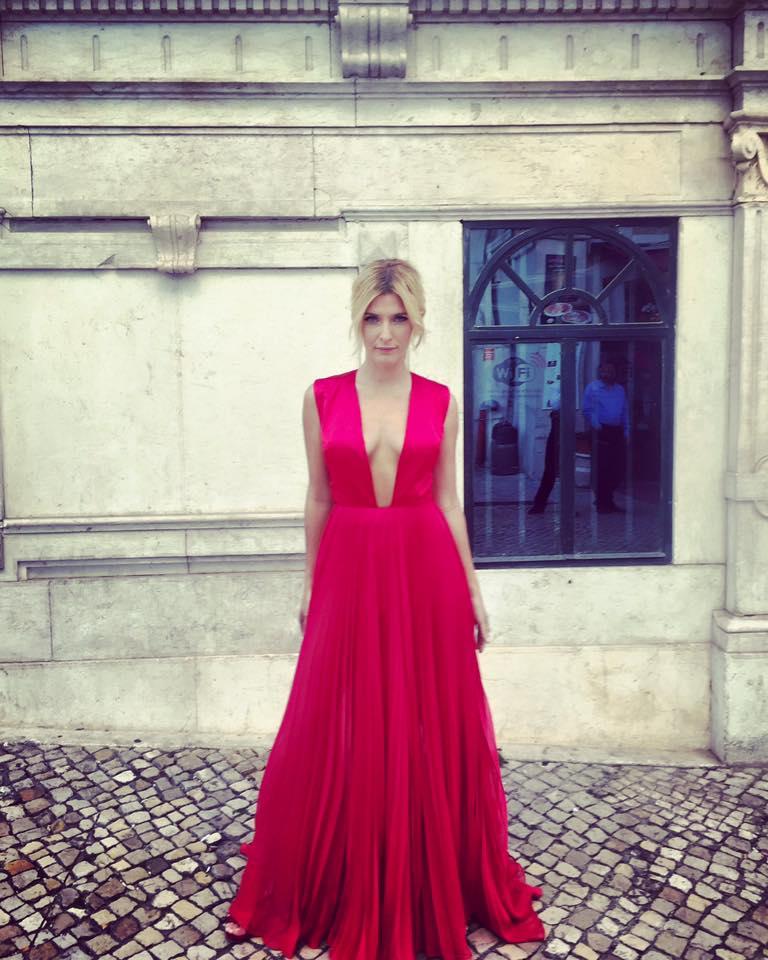 Inês Castel-Branco escolheu um vestido do designer Luís Carvalho para a cerimónia