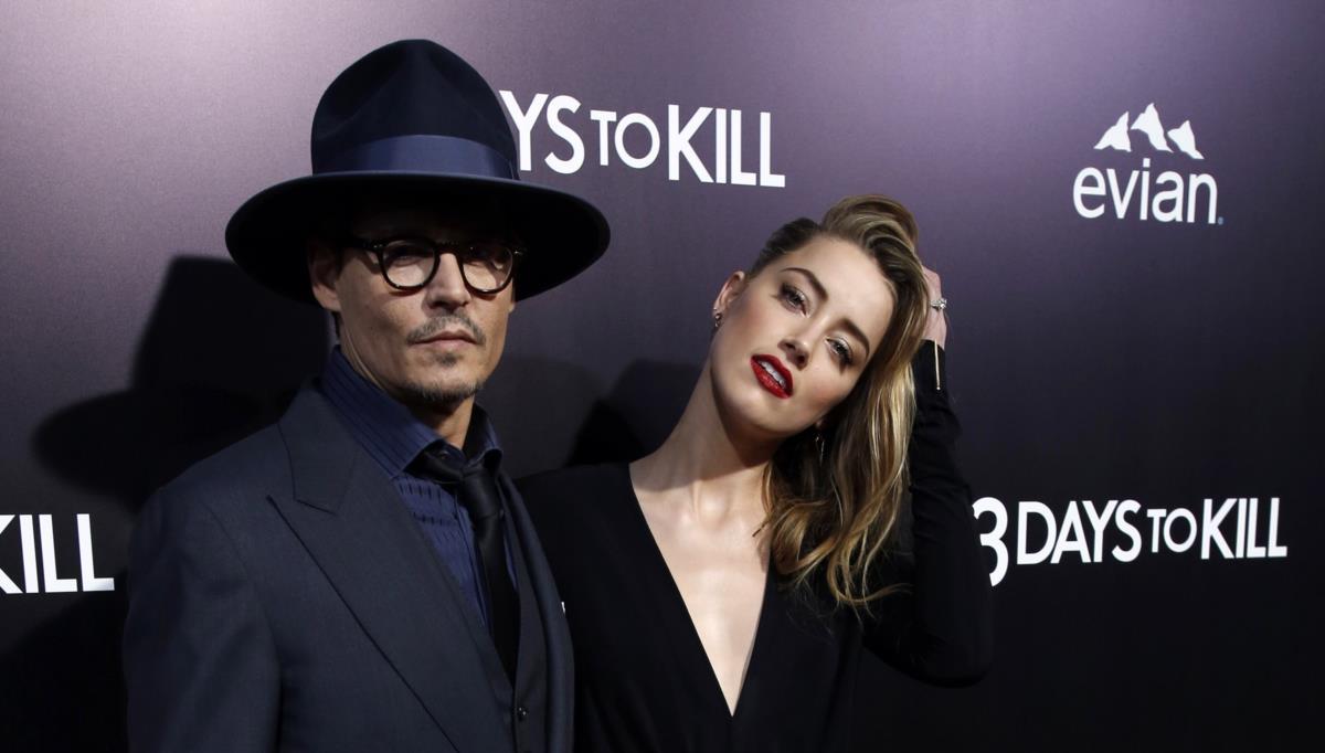 Amber Heard pede divórcio (e pensão) a Johnny Depp