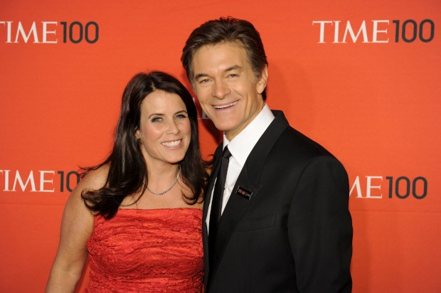 O médico e a mulher à entrada da gala da TIME que elege os mais influentes