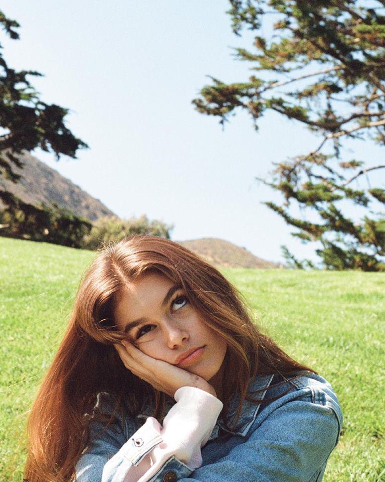 A fotografia tirada por Kendall Jenner para a revista Love