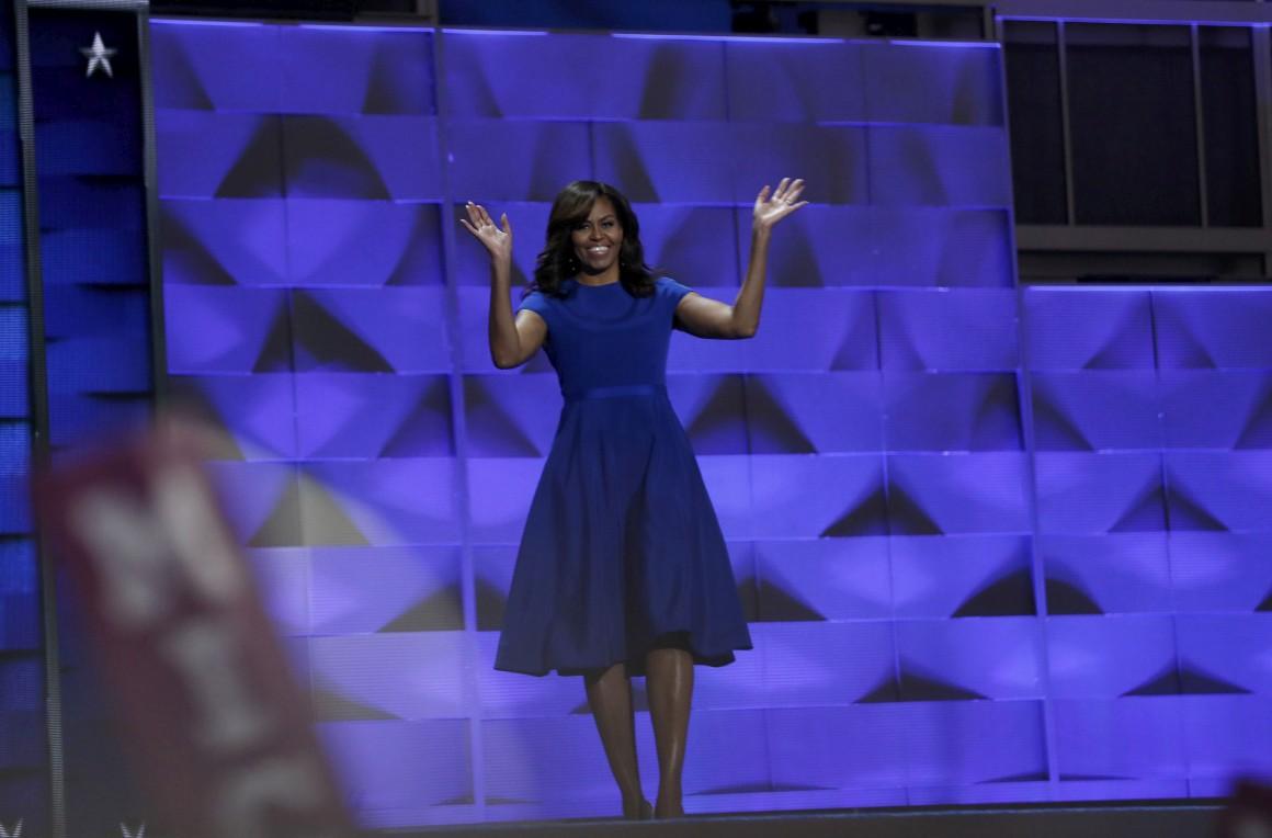Michelle Obama optou por um modelo de Christian Siriano, um designer norte-americano e uma voz activa na defesa da igualdade de direitos para cidadãos homossexuais