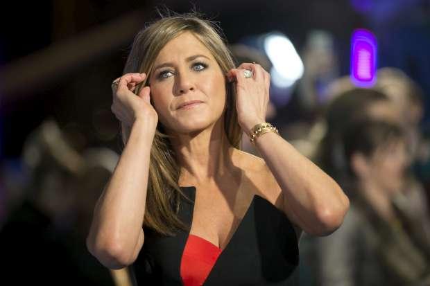 Jennifer Aniston aconselha adolescentes a enfrentarem bullies e fazerem pausa nas redes sociais