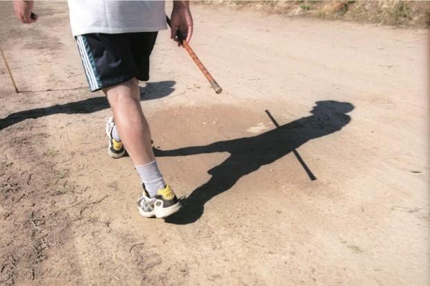 Caminhar uma hora por dia apaga riscos de estar sentado oito horas