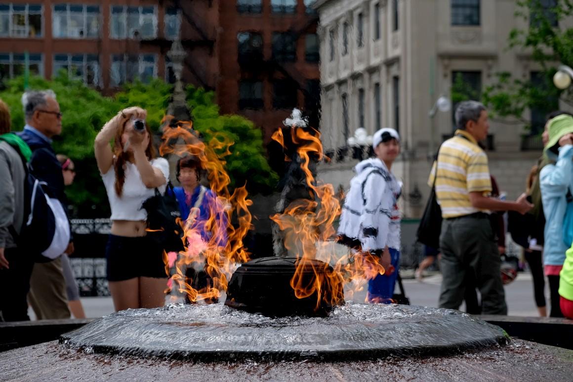 Otava,  Chama do Centenário, foi acesa em 1967 para comemorar o 100º aniversario da Confederação do Canada.